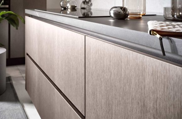 Küchentrends 2020 Häcker Metallic Optik und Haptik im Miele Center