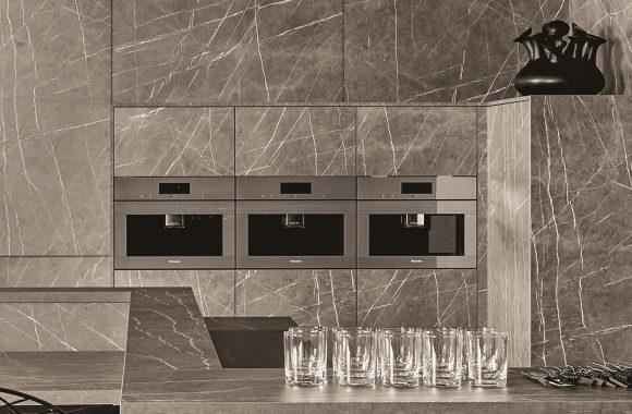 Küchentrends 2021 KH Küche | Miele Backrohr mit Edelstahlakzenten