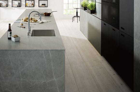next125 Großzügiger Küchenblock in Ceramic Marmor Grigio Nachbildung